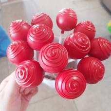 Красные кейк попсы