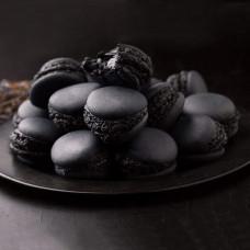 Черные макаруны