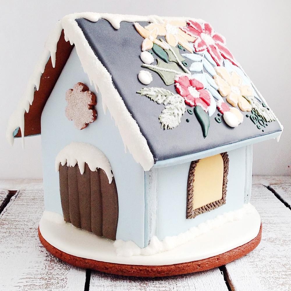 Большой пряничный домик