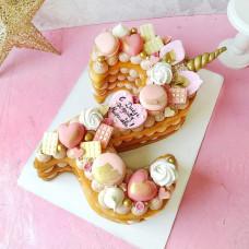 Торт в виде двойки для девочки
