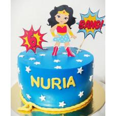 Торт на 6 лет в стиле Чудо женщина