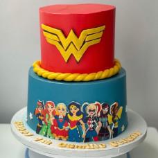 Торт Чудо-женщина и другие супер герои