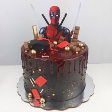 Большой торт на тему Дэдпул