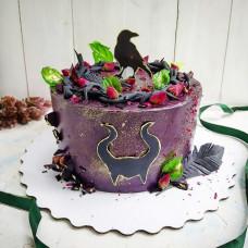 Торт с черным вороном