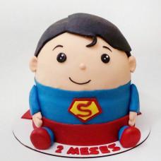 Торт в виде Супермена