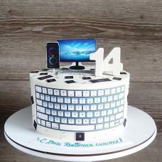 Торт в форме компьютера