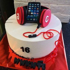 Торт телефон с наушниками