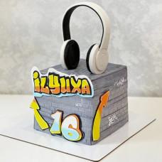 Торт наушники на день рождения