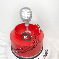 Торт наушники и микрофон