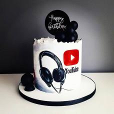 Торт наушники блогеру