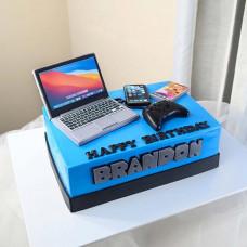 Торт ноутбук, смарфтон, джойстик