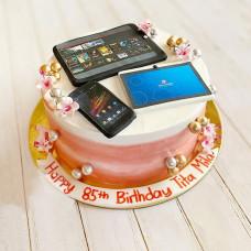 Торт с телефоном для девочки