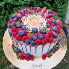 Торт с датой рождения ребенка