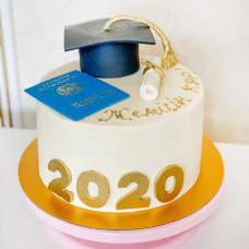 Торт с дипломом и шапкой выпускника