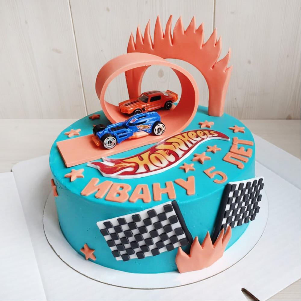 Торт на день рождения Хот Вилс