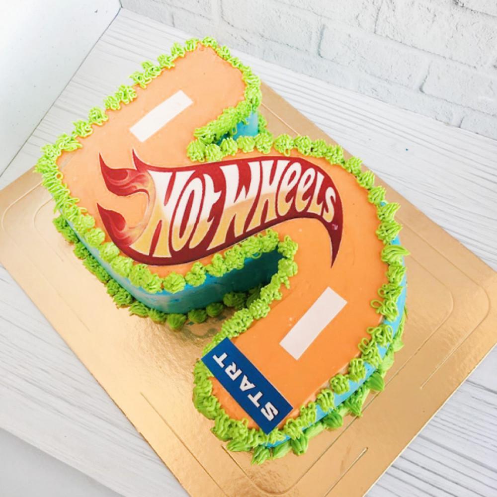 Торт цифра Хот Вилс