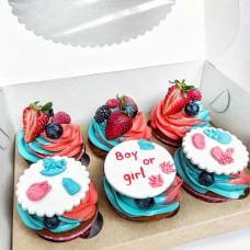 Капкейки на определение пола с ягодами
