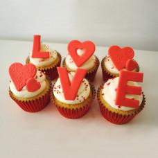 Капкейки на День Святого Валентина для девушки