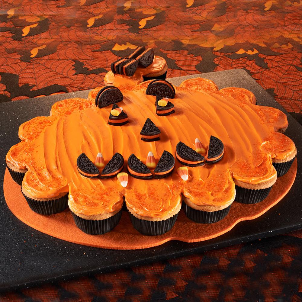 Торт из капкейков на Хэллоуин