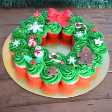 Торт из капкейков на Рождество