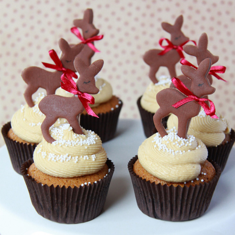 Капкейки новогодние с оленями