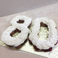 Цифра 80 из капкейков