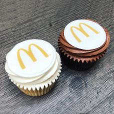 Капкейки с логотипом McDonald's