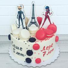 Один торт на двоих на день рождения