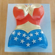 Торт торс Чудо-женщины