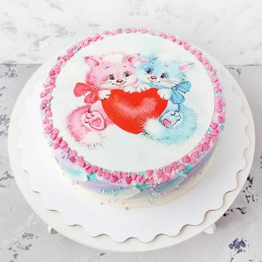 Торт на День всех влюблённых с кошечками