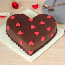 Шоколадный торт на День всех влюблённых