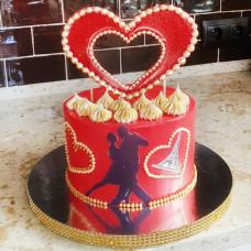 Торт на 14 февраля с сердечками