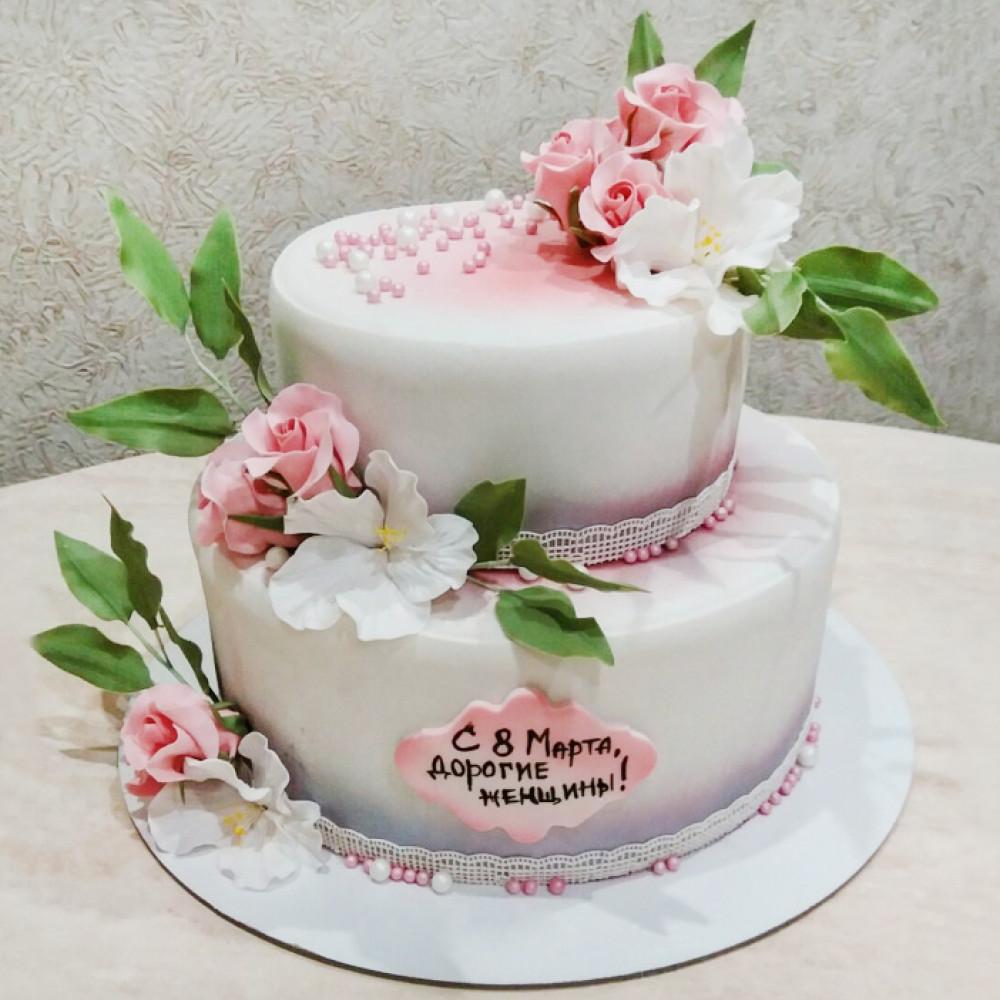 Двухъярусный торт на 8 марта