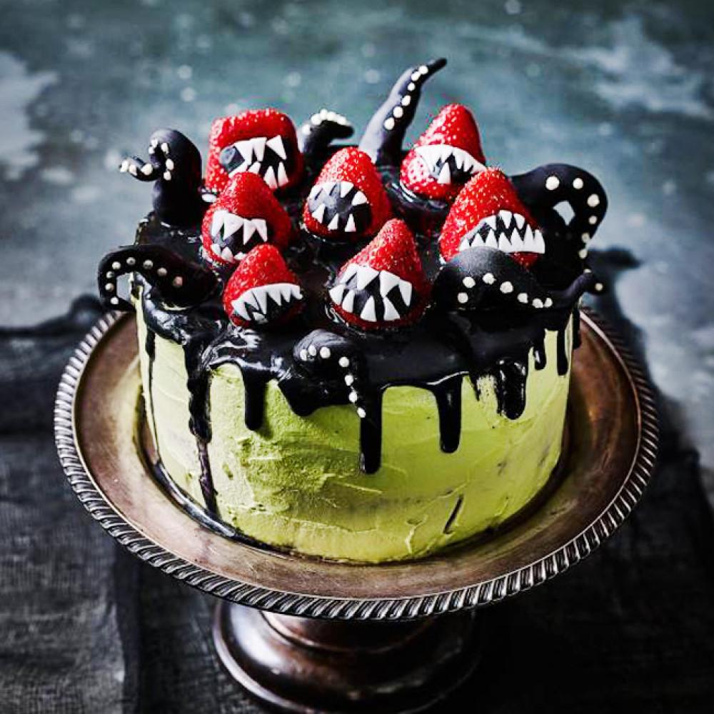 Торт на Хэллоуин с ягодами
