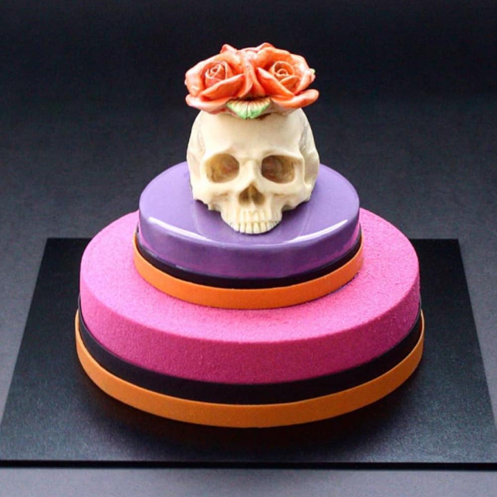 Торт с черепом на Хэллоуин