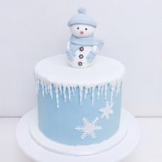 Торт с фигуркой снеговика