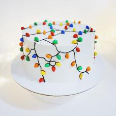 Торт с новогодней гирляндой
