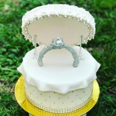 Торт коробочка с кольцом