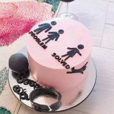 Торт на развод с фигуркой жениха и невест