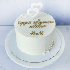 Торт на венчание с сердцами и инициалами