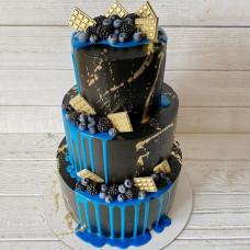 Большой черный торт