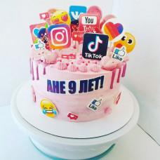 Торт со значками соцсетей