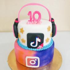 Торт Инстаграм и Тик Ток на 10 лет