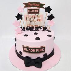 Черно-розовый торт Блэкпинк