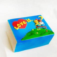 Торт в виде жвачки Love is