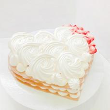 Торт сердце без мастики