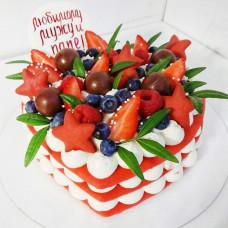 Торт сердце с фруктами