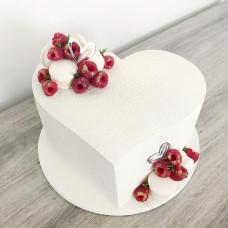 Белый торт сердце