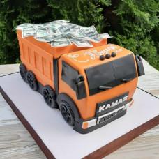 Торт в виде Камаза