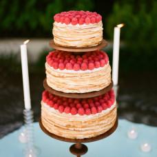 Трехъярусный блинный торт